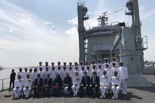 Pakistan'a gemi sattık